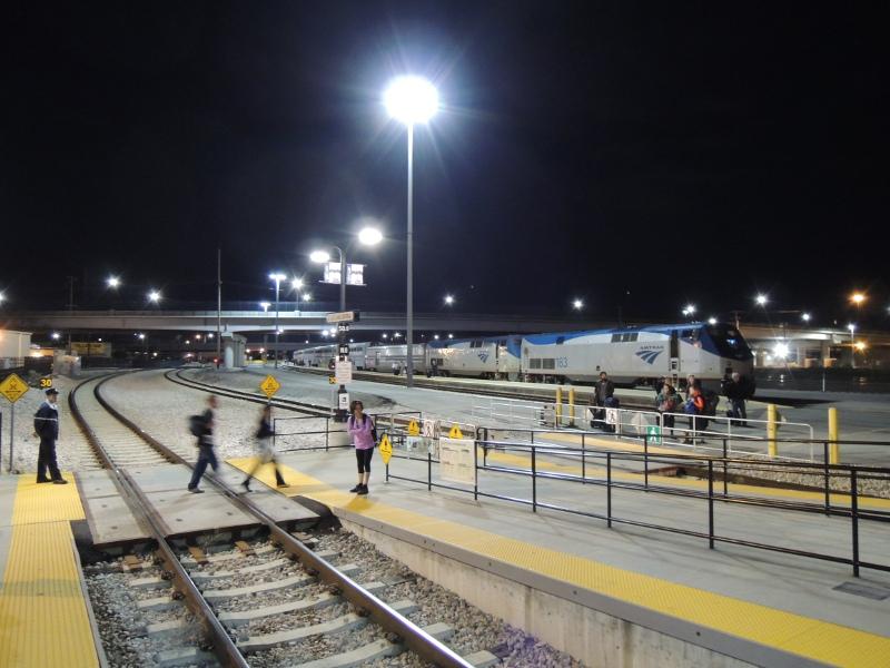 Der California Zephyr wartet im Bahnhof Salt Lake City auf die Abfahrt