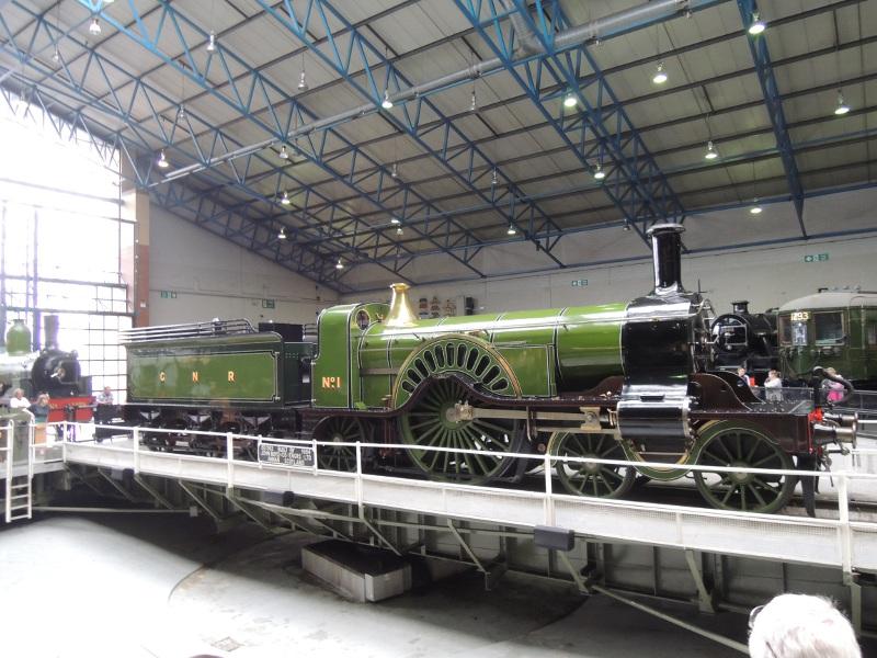 Dampflok auf der Drehscheibe im National Railway Museum