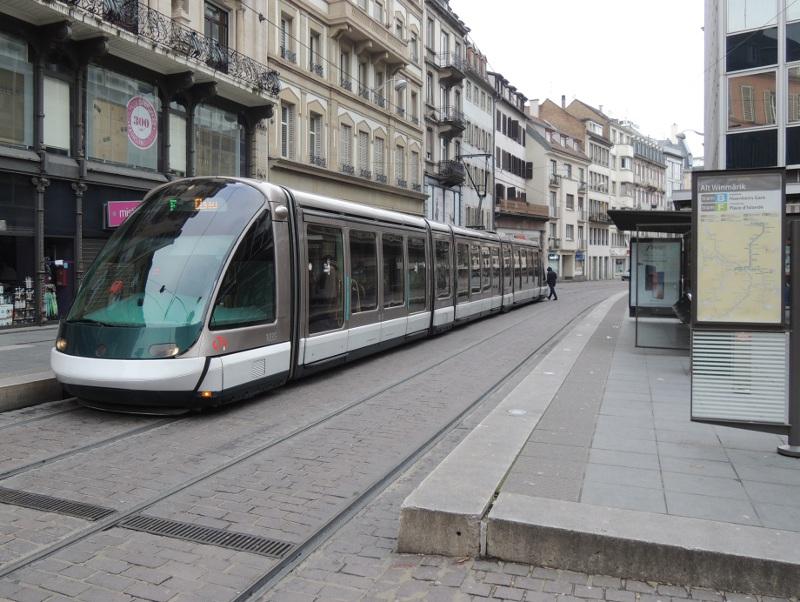 Eurotram an der Haltestelle Alt Winmärik