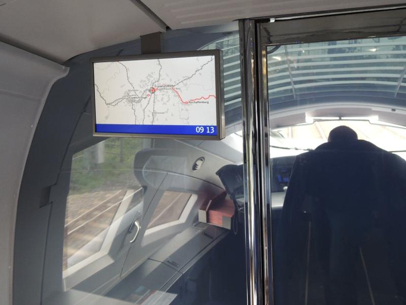 Anzeige der Fahrtstrecke im redesignten ICE 3