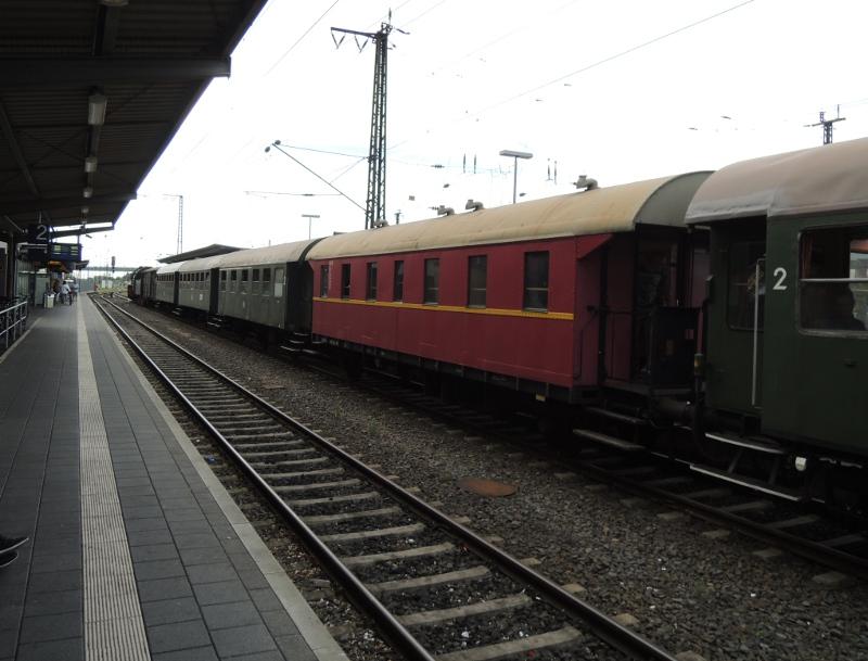 Zug der Museumseisenbahn Hanau mit 50 3552
