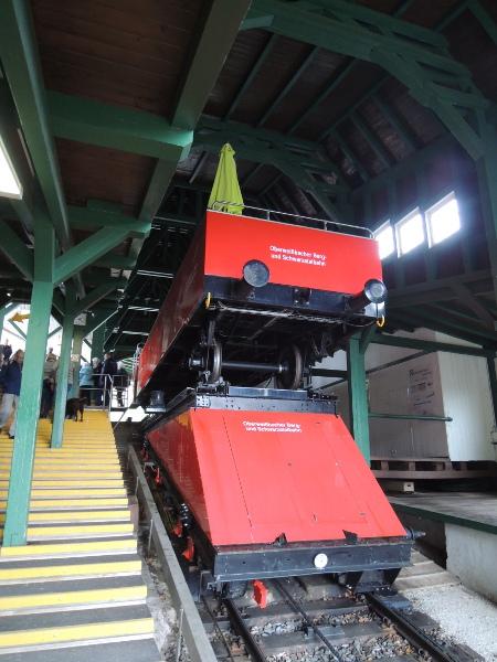 Cabriowagen auf der Güterbühne