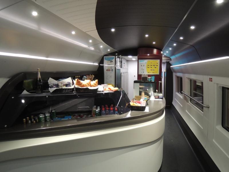 Barwagen im Eurostar 320