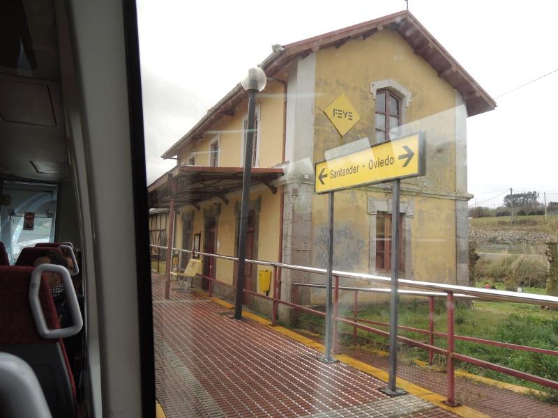 Bahnhof zwischen Santander und Oviedo