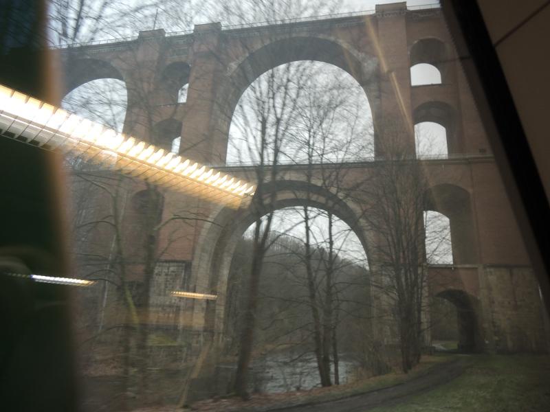 Elstertalviadukt von unten
