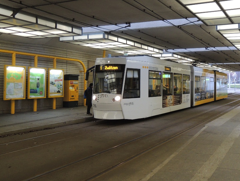 Geraer Straßenbahn am Hbf
