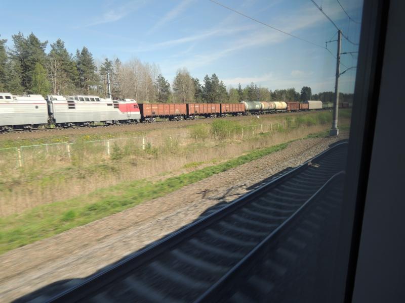 Güterzug zwischen St. Petersburg und Moskau
