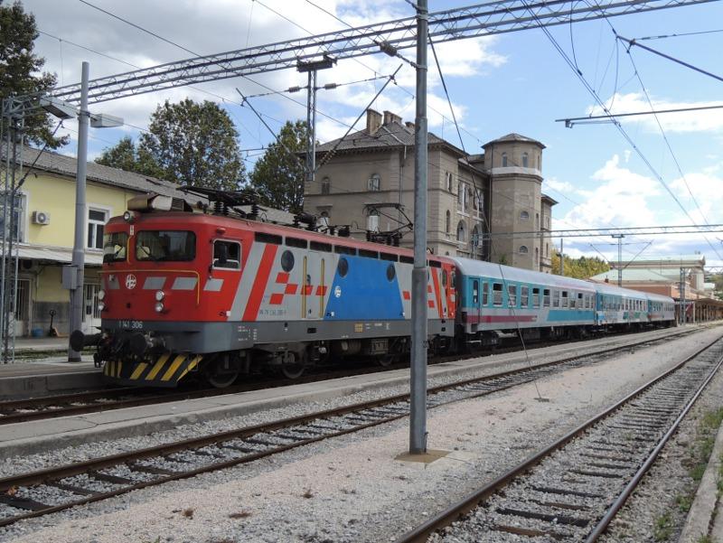 Zug Rijeka-Ljubljana vor der Abfahrt