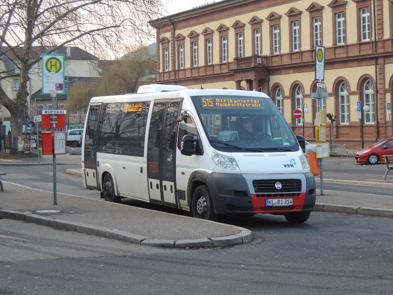Fiat-Kleinbus von Busverkehr Imfeld