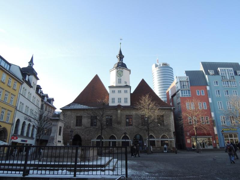 Rathaus mit Jentower