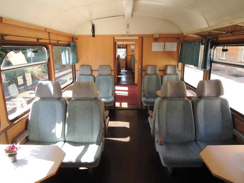 Innenansicht eines Esslinger Triebwagens der KML
