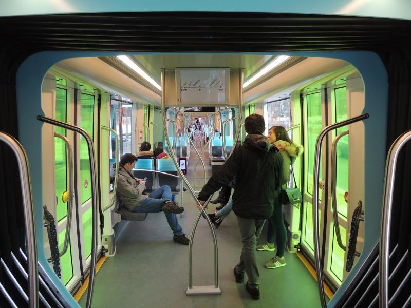 Blick in einen Luxemburger Straßenbahnwagen
