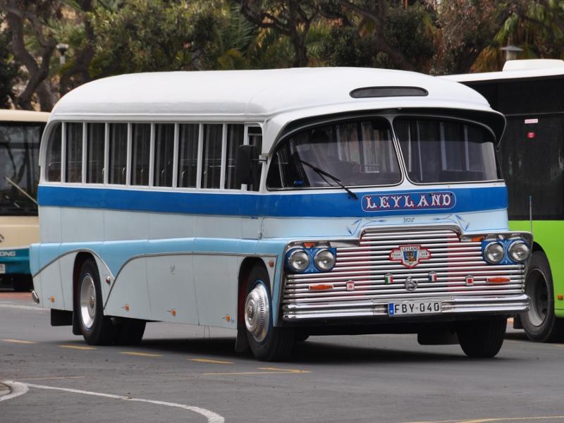 historischer Bus auf Malta