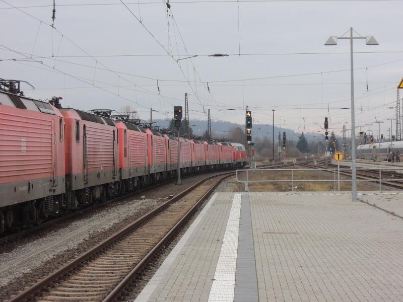 MEG-Zug mit ausrangierten 143ern