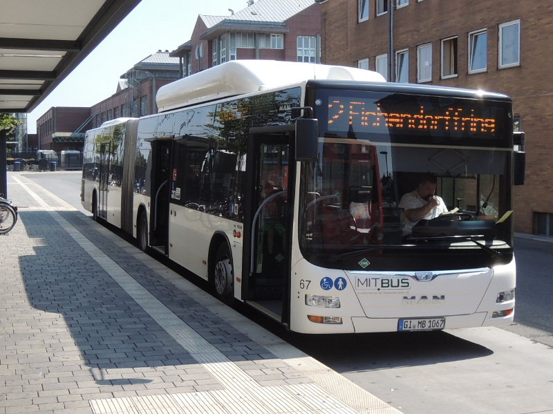 Gießener Bus am Bahnhof