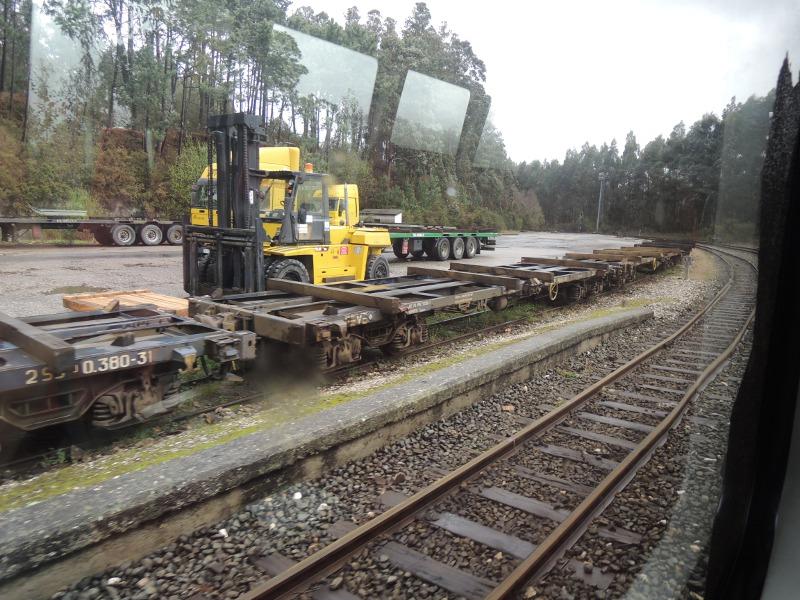 Güterwagen zwischen Oviedo und Ferrol