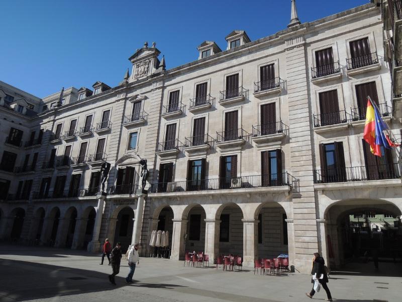 Umbauter Platz in Santander