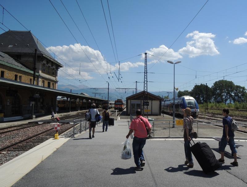 Züge dreier Spurweiten in Latour-de-Carol
