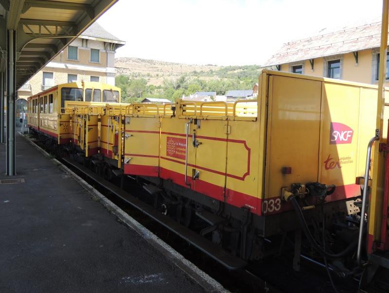 Offener Sommerwagen des Train jaune