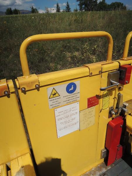 Schließmechanismus der Türen im offenen Wagen des Train jaune