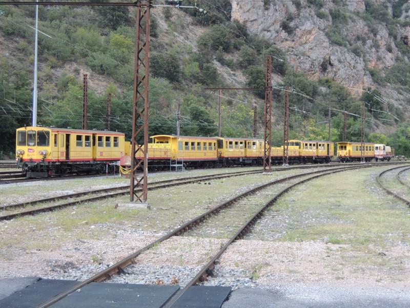Komplette Garnitur des Train jaune