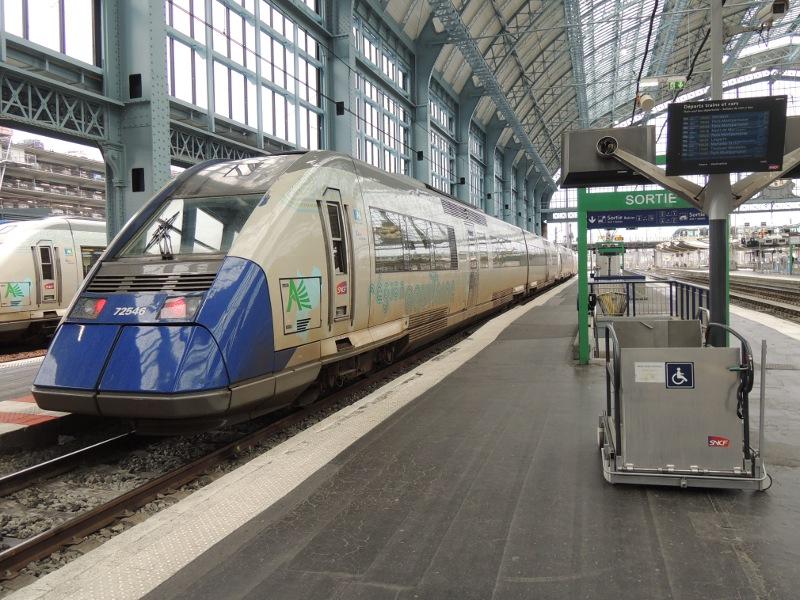 Dieseltriebwagen der Baureihe X 72500 in Bordeaux-Saint-Jean