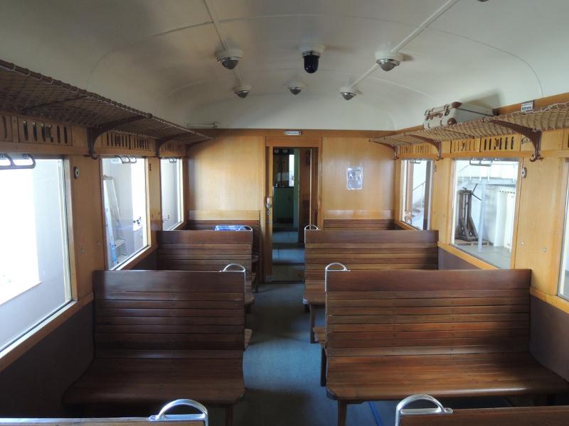 Innenansicht von Triebwagen 3 der Trossinger Eisenbahn