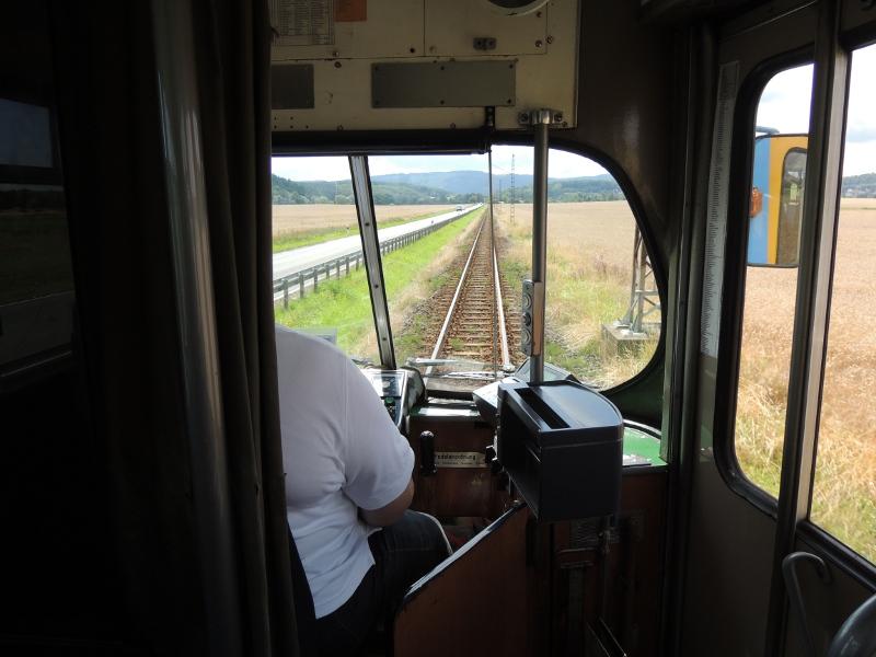 Thüringerwaldbahn mit paralleler Landstraße