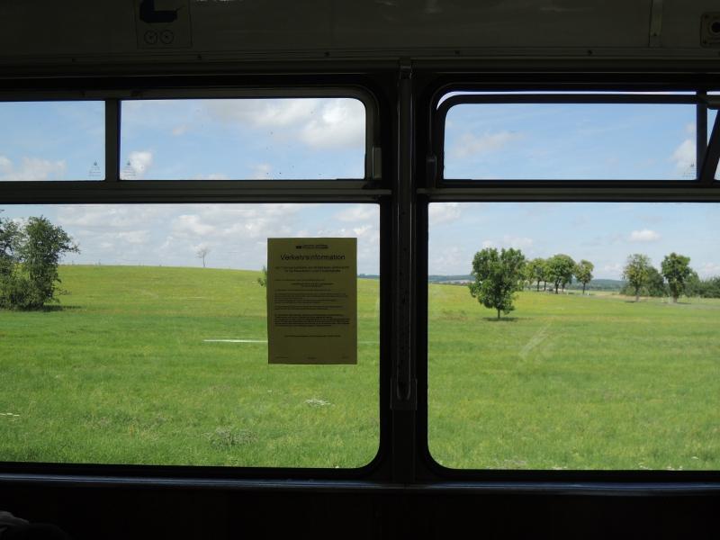 Wiese, von der Thüringerwaldbahn aus gesehen