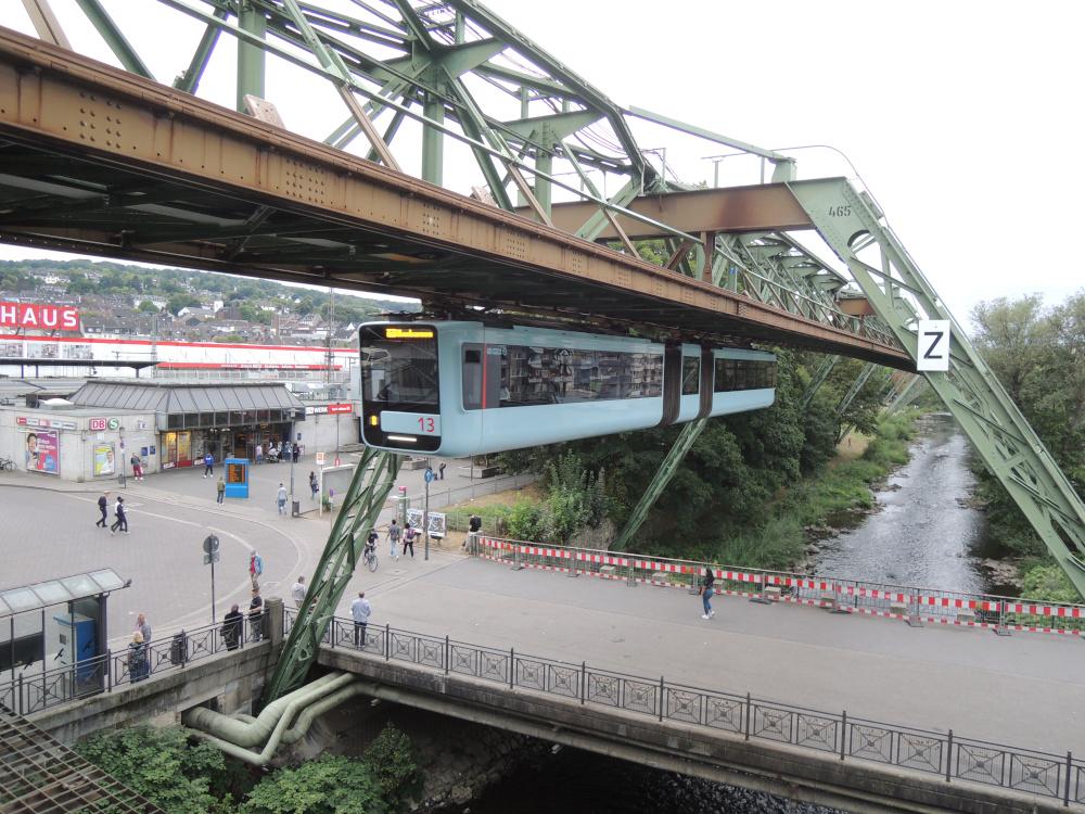 GTW 15 der Wuppertaler Schwebebahn